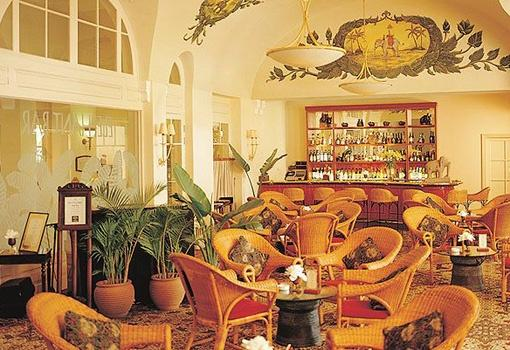 The Elephant Bar, Raffles Hotel Le Royal