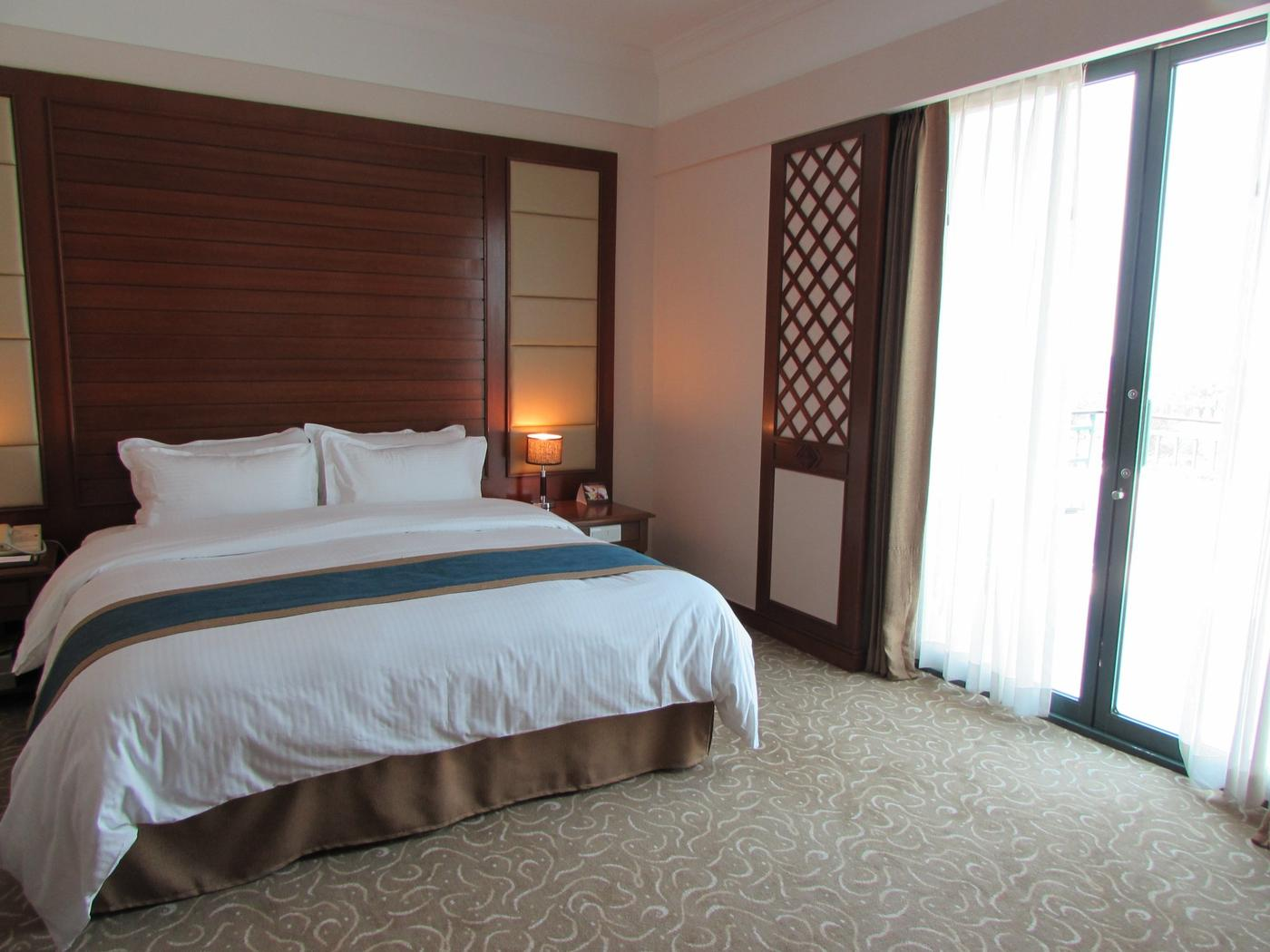 Superior Room, Hilton Mandalay