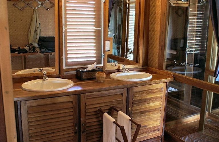 Bathroom, Kingfisher Ecolodge