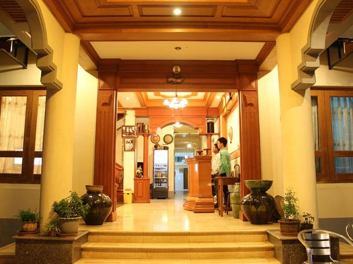 Lobby, Mr Charles Guesthouse