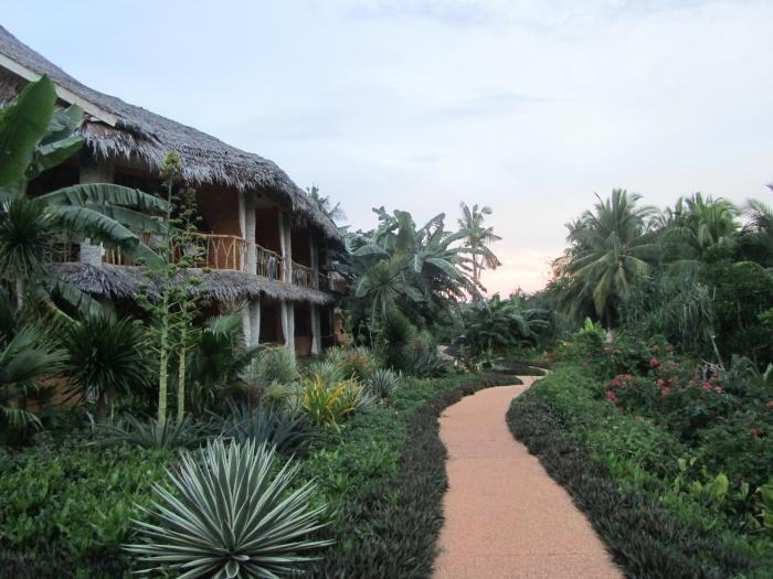 Resort gardens, Coco Grove Beach Resort