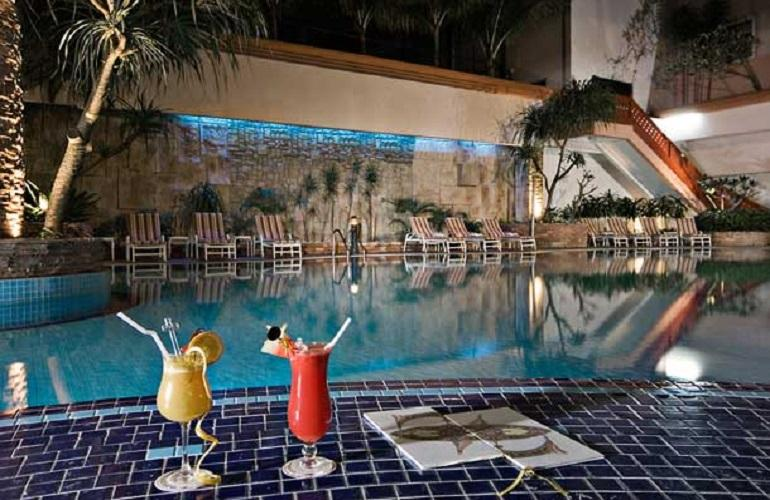 Swimming Pool, Renaissance Hotel