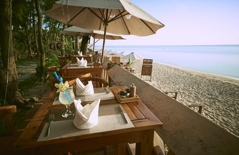 Beachfront Restaurant, Cassia Cottage