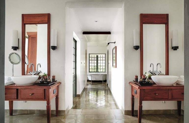 Bathroom, Amantaka