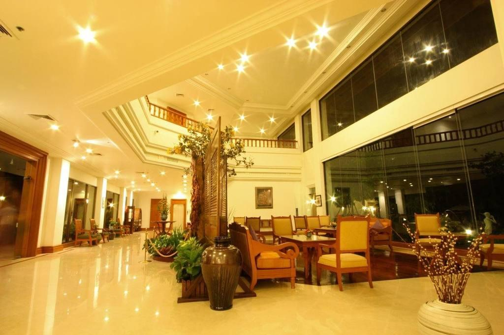 Lobby, The Imperial River House Resort