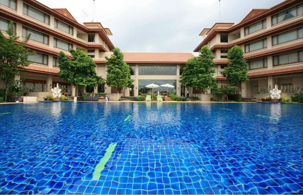 Swimming pool, The Imperial River House Resort