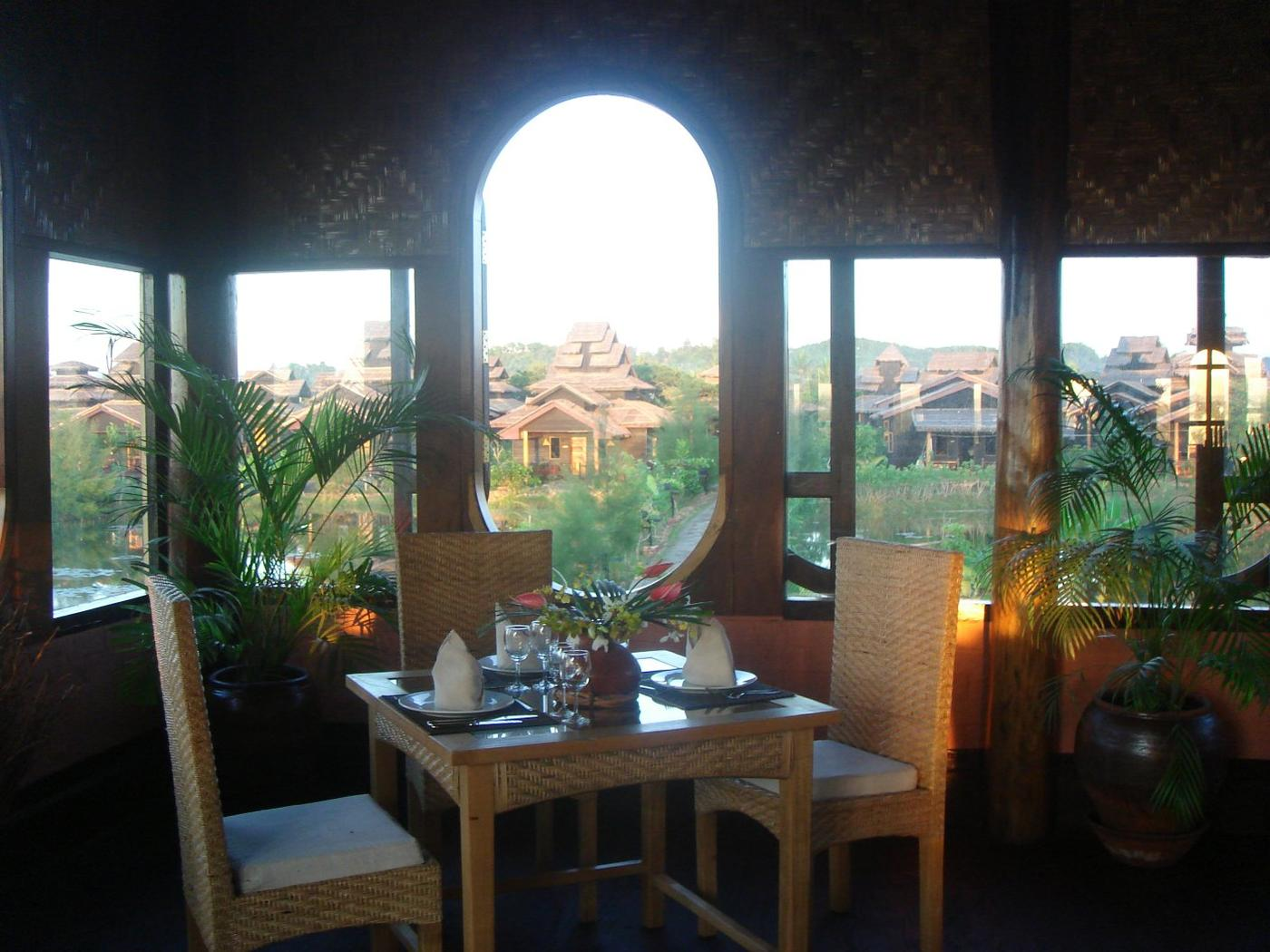 Restaurant, Mrauk U Princess Resort