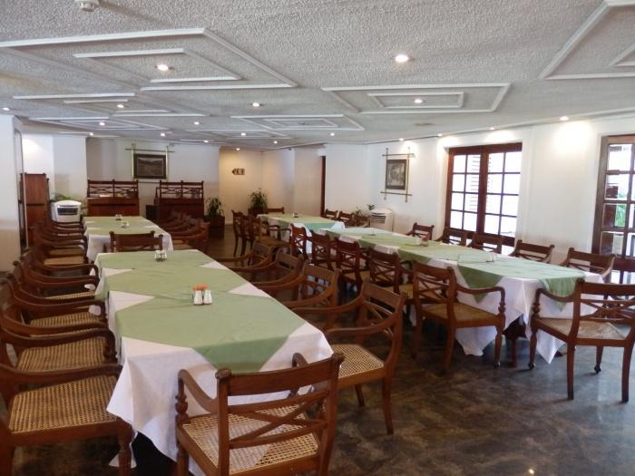 Restaurant, Mahaweli Reach
