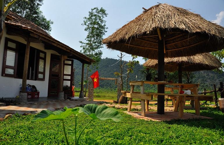 Outdoor seating, Jungle Boss Homestay