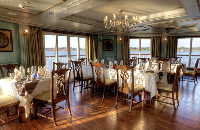 Dining Hall, Jahan Cruise