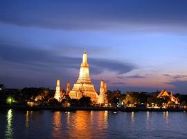 Wat Arun, on the banks of the Mekong River