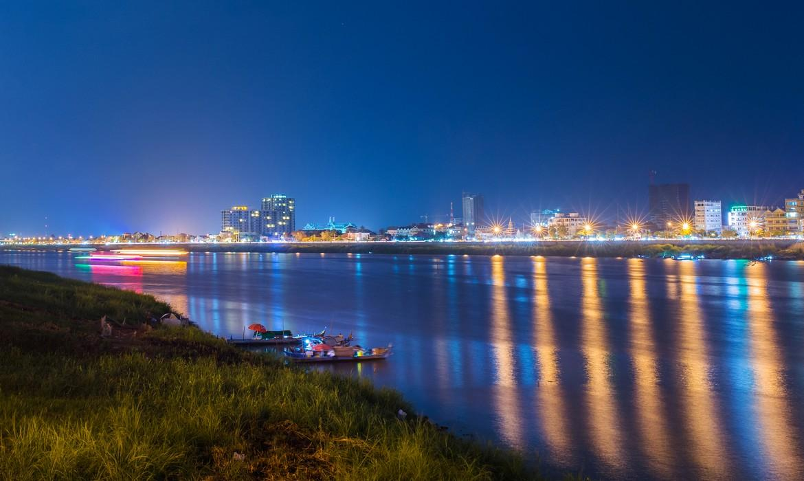 Mekong at night
