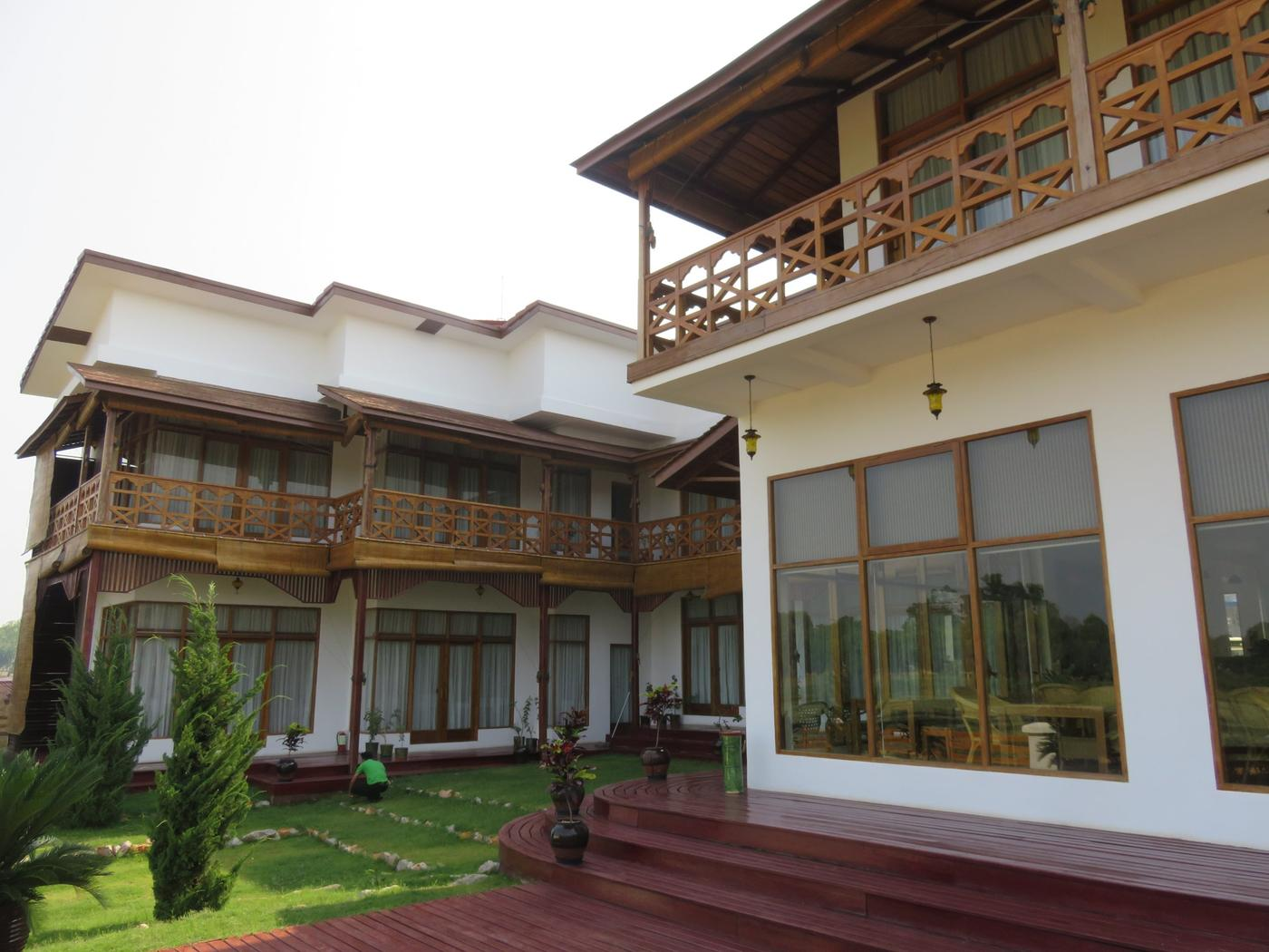 Loikaw Lodge