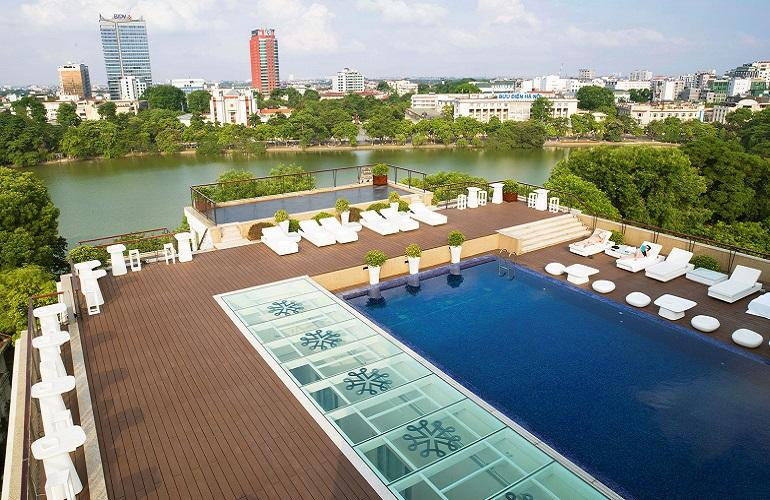 Rooftop Pool, Apricot Hotel