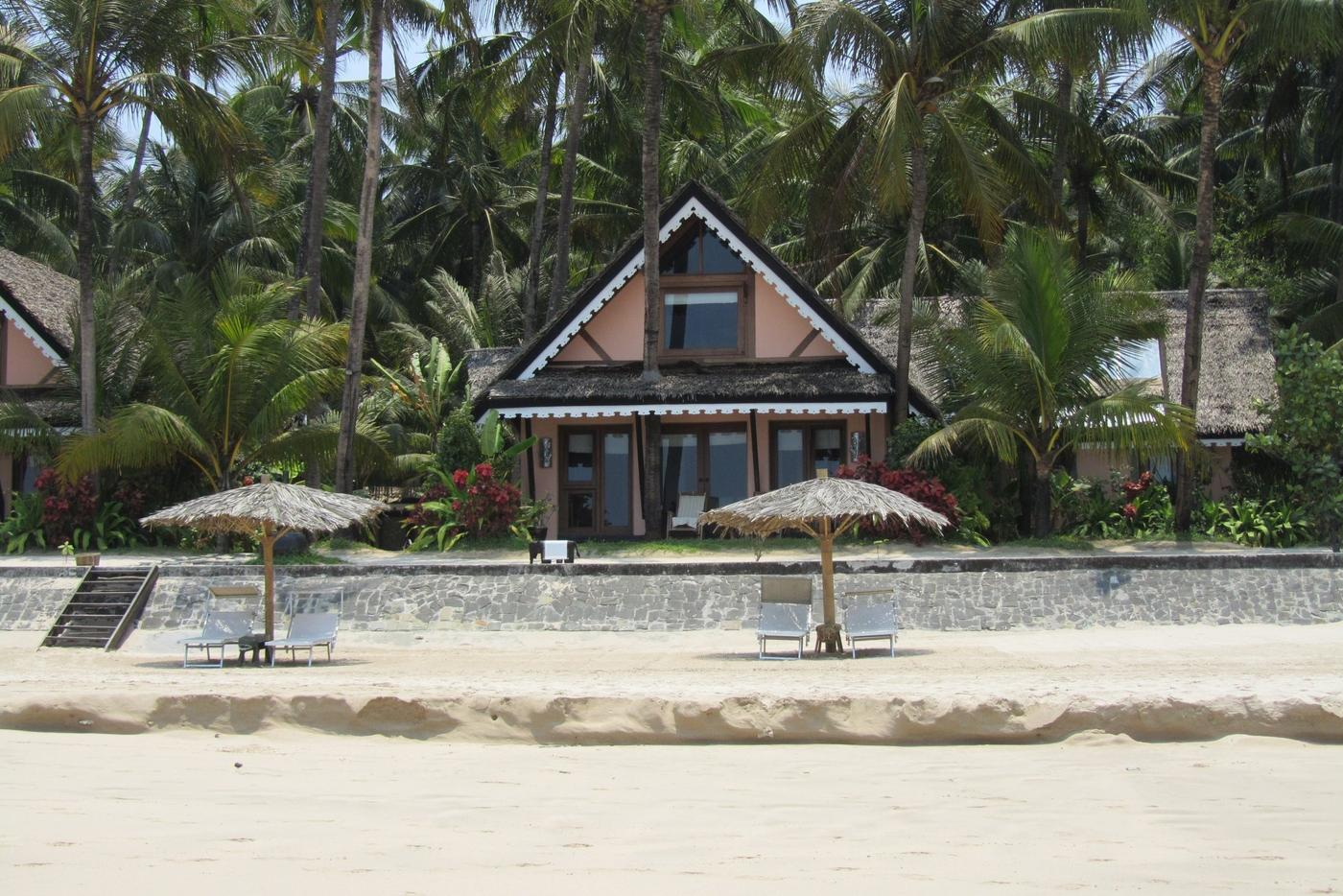 Beachfront Villa, Sandoway Resort