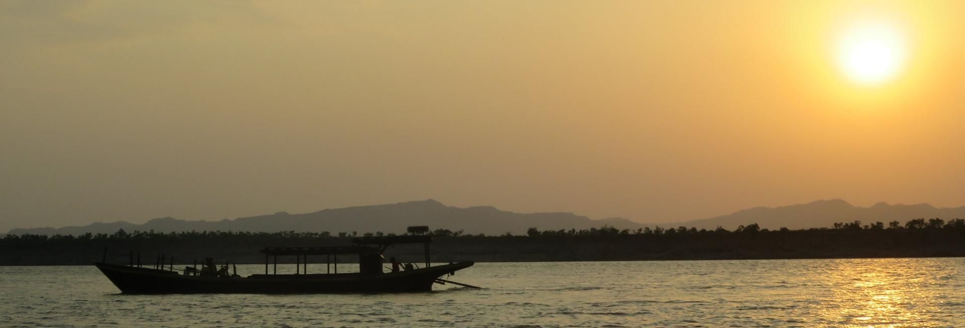 Sunset cruise, Irrawaddy River