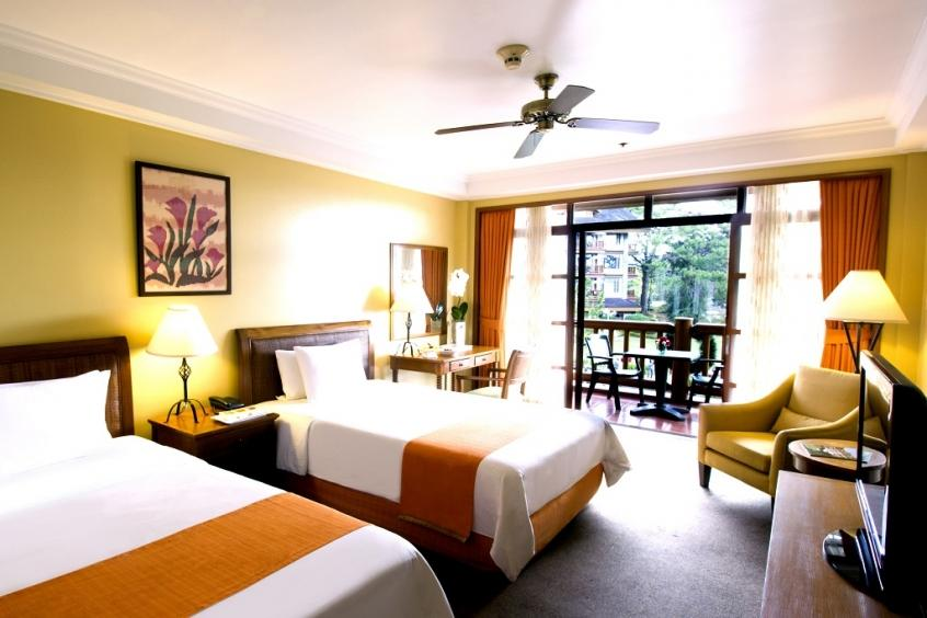 Deluxe Room, the Manor at Camp John Hay