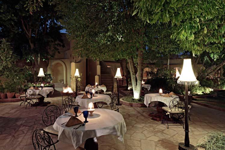 Outdoor Dining, Rohet Garh