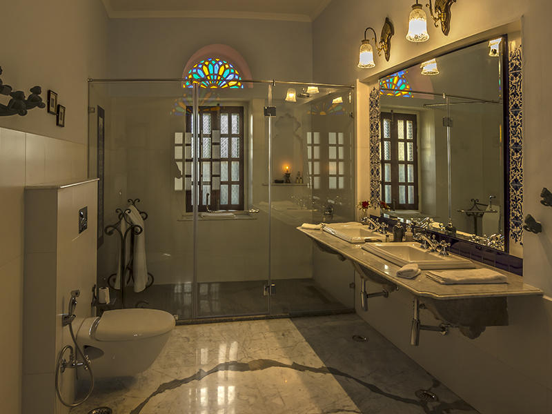 Bathroom, Dev Shree
