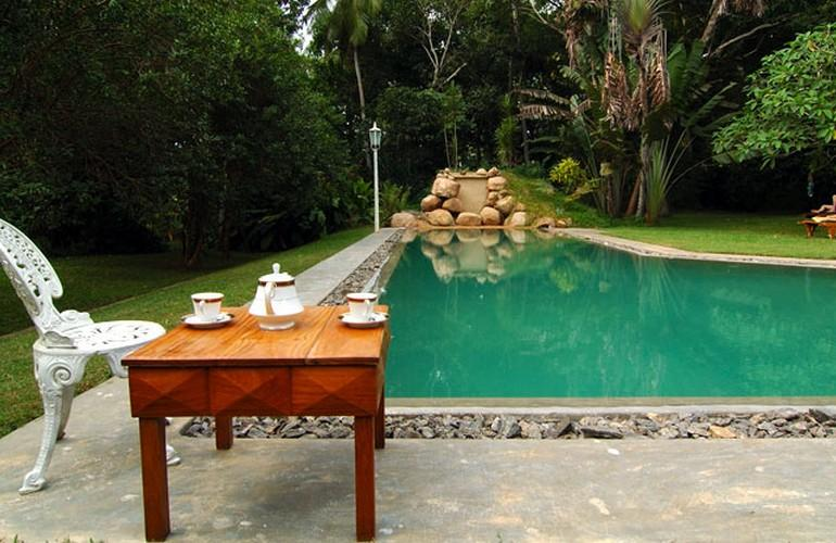 Swimming pool, Horathapola Coconut Estate
