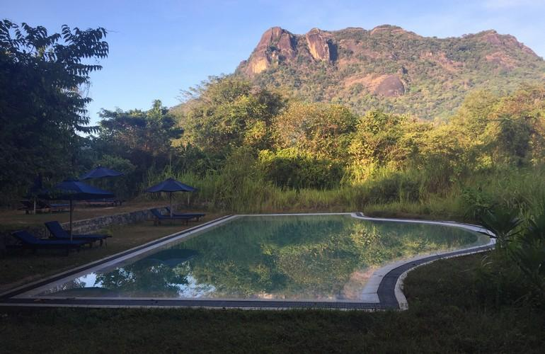 Swimming pool, Gal Oya Lodge