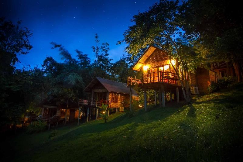 Cliff Zone Rooms, The Cliff & River Jungle Resort