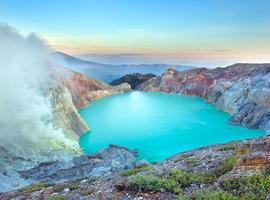 Ijen at sunrise