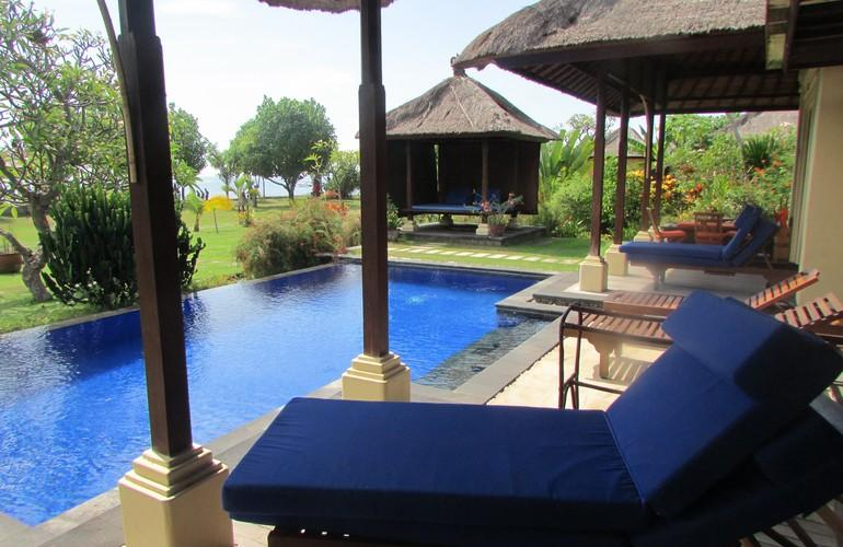 Villa's swimming pool, Amertha Bali Villas