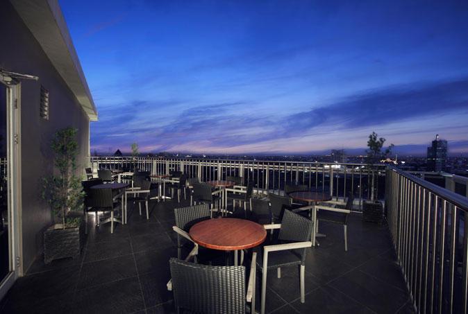 D'Lounge, Aston Makassar Hotel & Convention Center