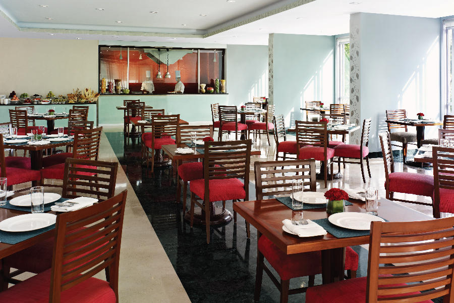 Restaurant, The Gateway Hotel, Agra