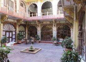 Courtyard, Pal Haveli
