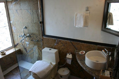 Bathroom, Bundi Vilas