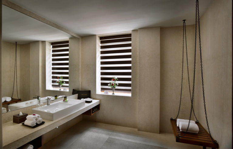 Bathroom, Lalit Great Eastern