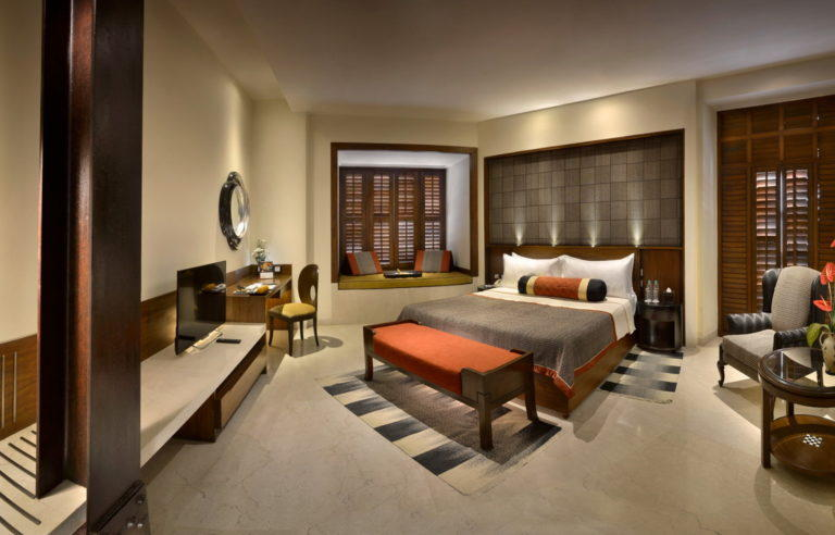 Luxury Room, Lalit Great Eastern