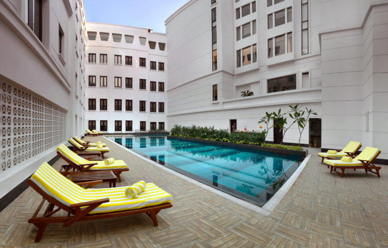 Swimming Pool, Lalit Great Eastern