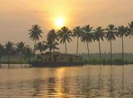 Keralan Backwaters Houseboat