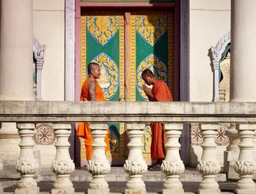 Monks bowing, Phnom Penh