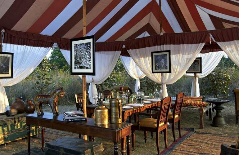 Private dining, Samode Safari Lodge