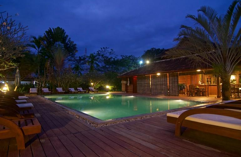 Swimming pool, Terres Rouges Lodge