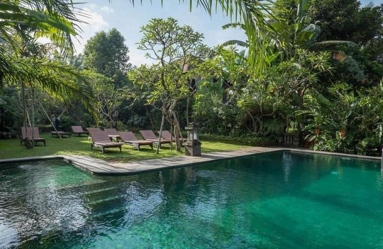 Swimming pool, Ananda Cottages