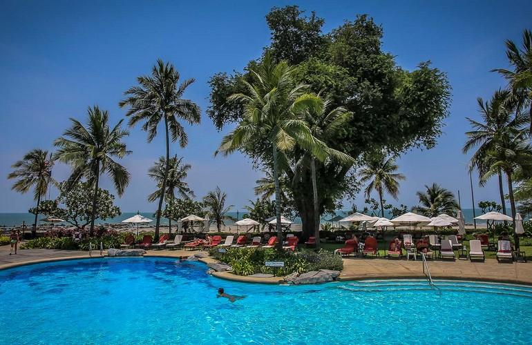 Swimming pool, Grand Beach Resort & Villas Hua Hin