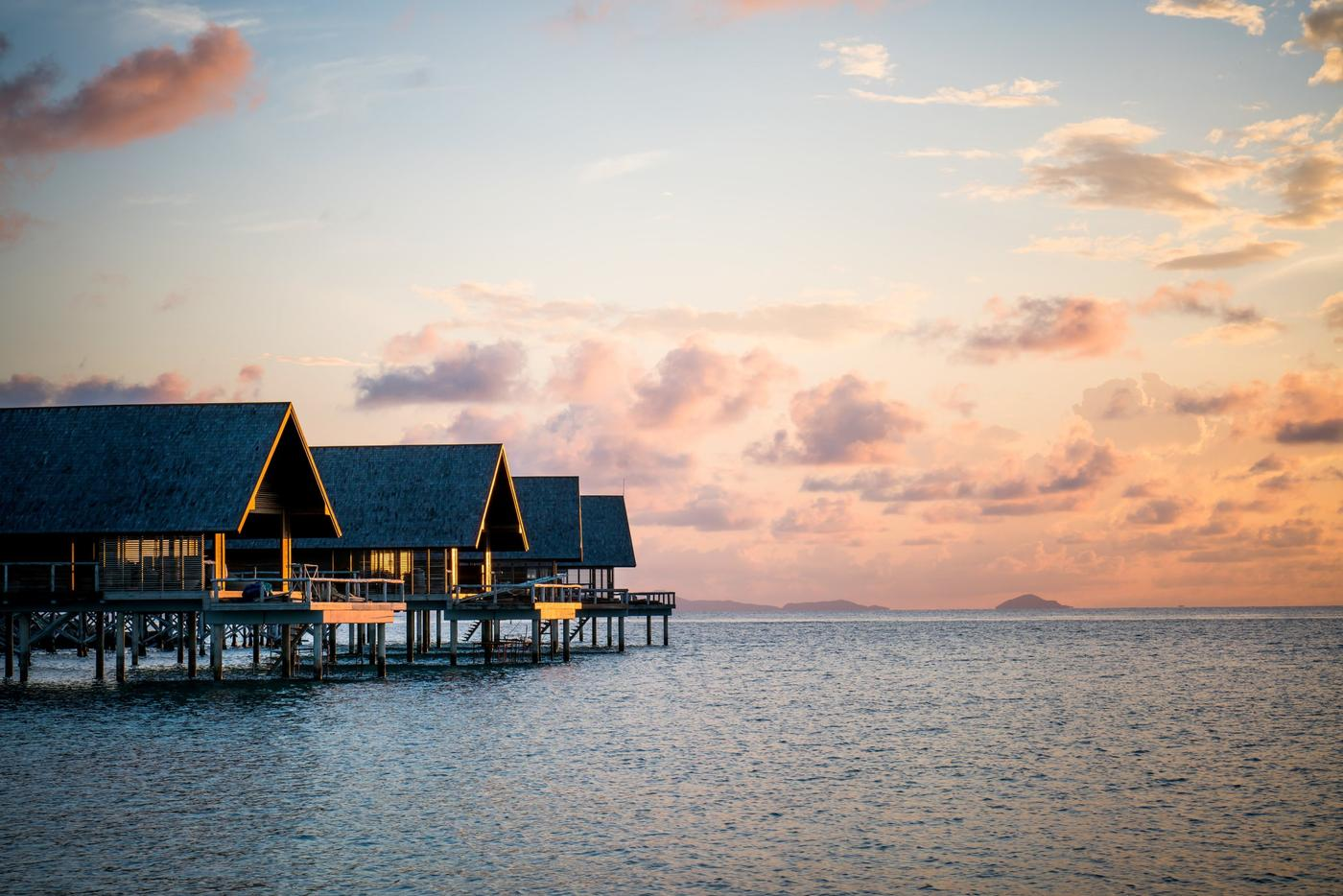Overwater Bungalows, Bawah Reserve