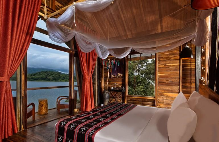Lakefront Wooden Bungalow, LAK Tented Camp
