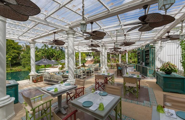 La Terrasse Des Colonies Restaurant, The Luang Say Residence