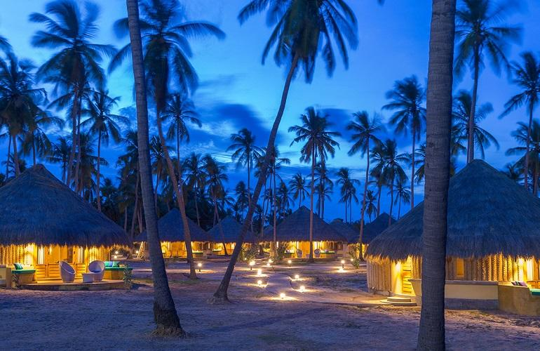 Cabanas by night, Jetwing Surf