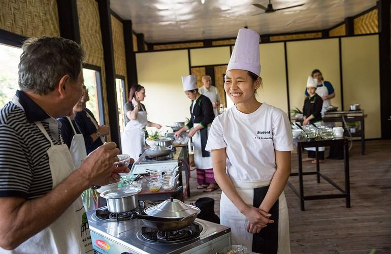 Cooking class, Inle Heritage