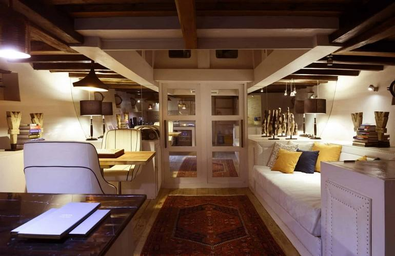 Living room & library, Alexa Private Cruise