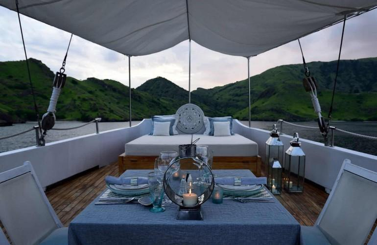 Open air lounge, Alexa Private Cruise