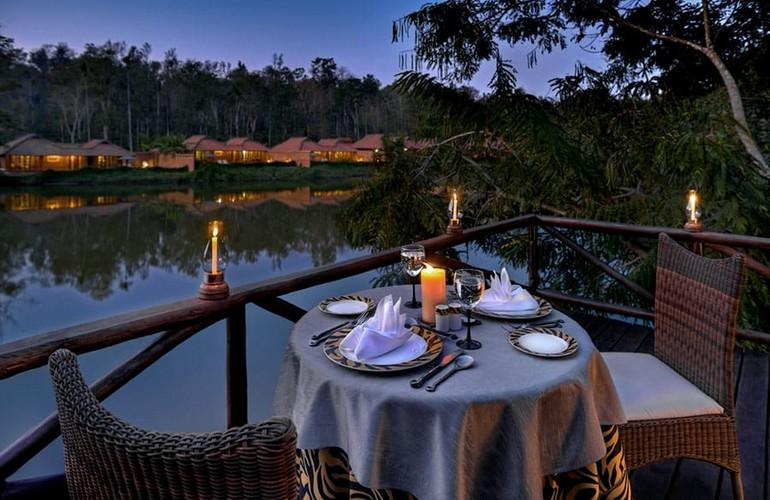 Dining by the Lake, Evolve Back Chikkana Halli Estate