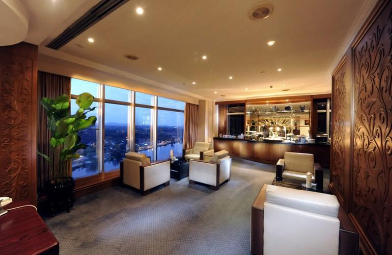 Executive Lounge, Riverside Majestic
